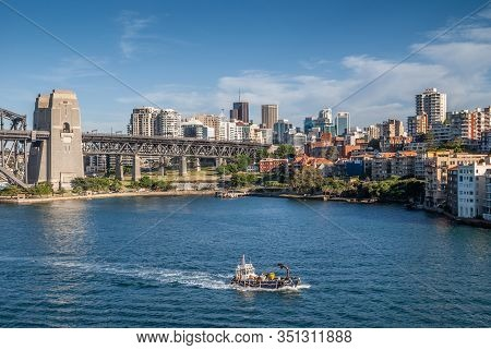 Sydney, Australia - December 11, 2009: Nw Side Ramp Of Harbour Bridge With Red Roofed Houses On Side