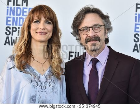 LOS ANGELES - JAN 06:  Lynn Shelton and Marc Maron arrives for the Film Independent Spirit Awards 2020 on February 08, 2020 in Santa Monica, CA