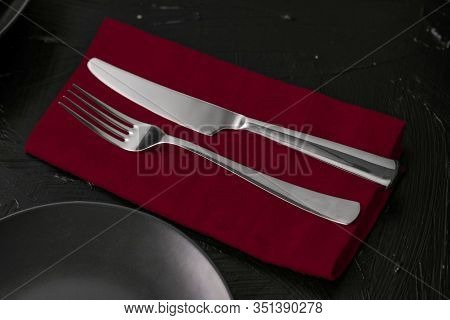Empty Tableware With Red Napkin, Food Styling Plating Props, Deluxe Set For Wedding, Event, Date, Pa
