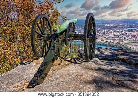 Cannon Overlooking Moccasin Bend And The City Of Chattanooga Tennessee From The Point Park Civil War