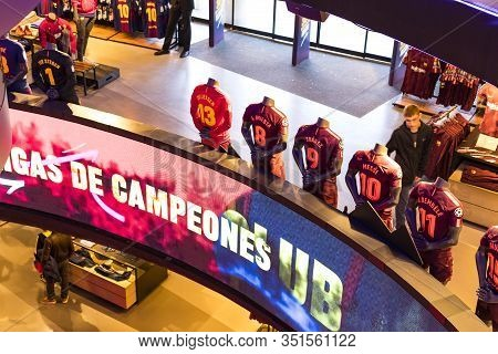 Barcelona, Spain - 12 January 2018: Official Store Fc Barcelona , Clothing And Footwear Team Of Souv