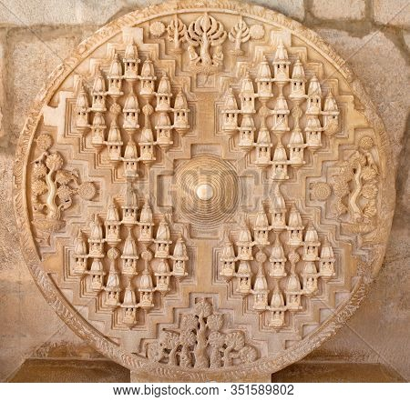 Bas-relief In Famous Ancient Adinath Jain Temple In Ranakpur, Rajasthan State, India. Carving Of Jam