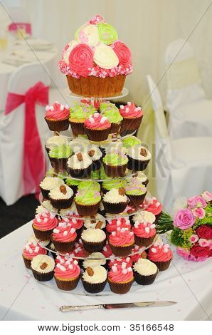 Cup Cakes At Wedding