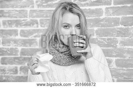 Runny Nose And Other Symptoms Of Cold. Cold And Flu Remedies. Drink More Liquid Get Rid Of Cold. Dri
