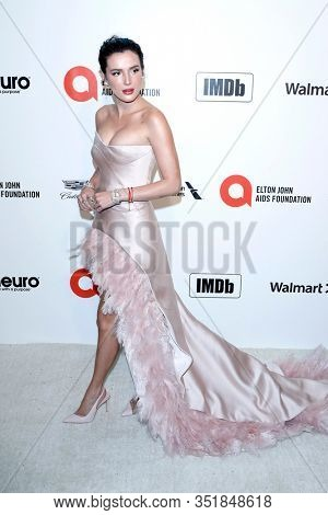 LOS ANGELES - FEB 9:  Bella Thorne at the 28th Elton John Aids Foundation Viewing Party at the West Hollywood Park on February 9, 2020 in West Hollywood, CA