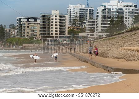 Sydney, Australia 2020-02-15 People Walking On Concrete Basement Exposed At North Cronulla After The