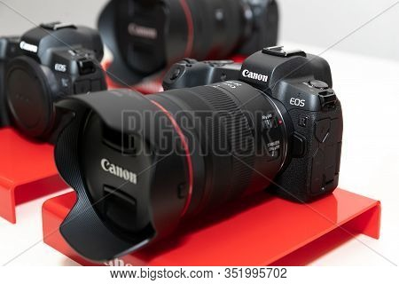 Belgrade, Serbia - February 04, 2020: Canon Eos R Mirrorless Camera Is Shown With Rf 24-105mm F/4l I