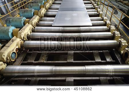 Sheet of aluminum platten pressing machine of rolling mill.