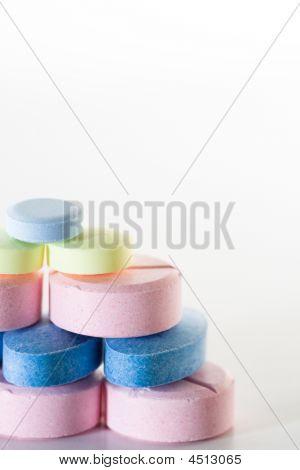 Pills pyramid chien