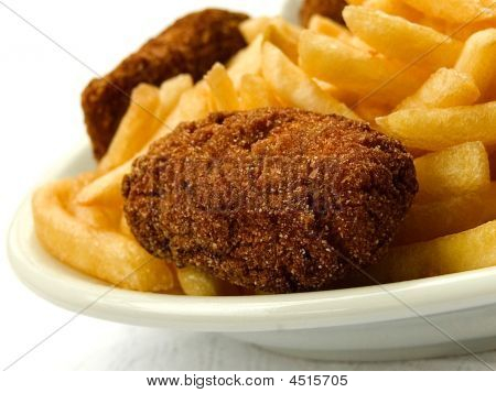 Croquettes and chips