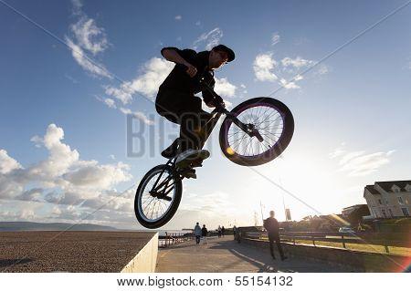 Stunts At The Street