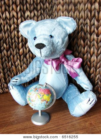 Teddy-bear & Globe