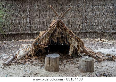 Australian aboriginal hut in Wangi Mia meeting place, Yanchep National Park