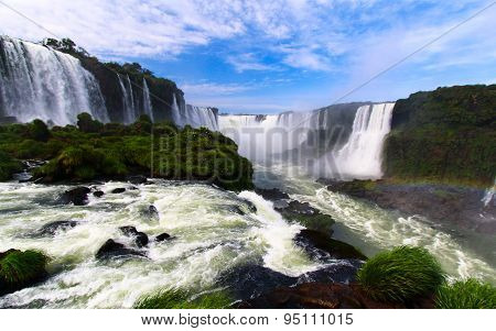 AMAZING IGUAZU WATERFALLS, BRAZIL