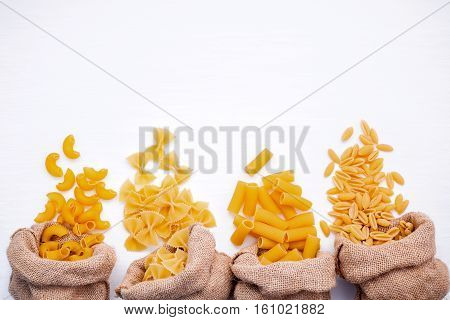 Italian Foods Concept And Menu Design . Various Kind Of Pasta Elbow Macaroni,farfalle,rigatoni,gnocc