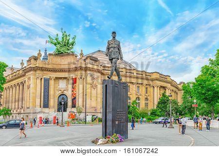 Paris, France - July 01, 2016 : Statue General De Gaulle (statue Du Général De Gaulli) On Square Wit