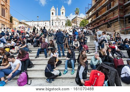 Crowd Of Tourists On Spanish Steps In Rome