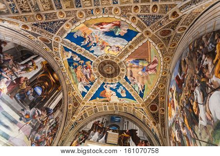Ceiling Of Room Of Heliodorus In Vatican Museums