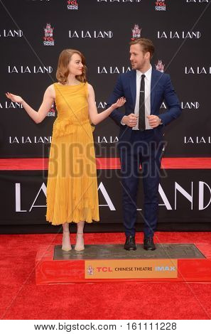 LOS ANGELES - DEC 7:  Emma Stone, Ryan Gosling at the Emma Stone & Ryan Gosling Hand and Foot Print Ceremony at TCL Chinese Theater on December 7, 2016 in Los Angeles, CA