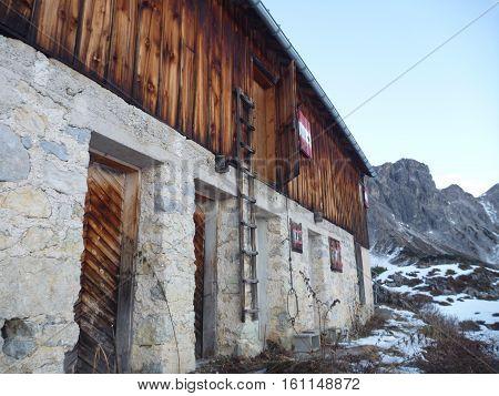 hofpurgl hutte mountain hut in dachsteingebirge in austrian alps