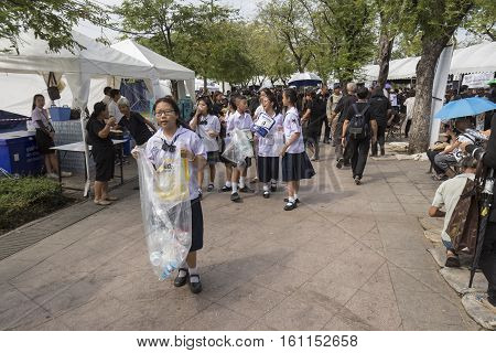 BANGKOK THAILAND - NOV 5 : student volunteer in Sanam Luang area while the funeral of king Bhumibol Adulyadej in Grand Palace on november 5 2016