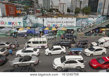 BANGKOK THAILAND - JUL 27 : car in traffic jam on Ratchadamri road in the way to Pratu Nam market near CentralWorld on july 27 2016 thailand. traffic jam is one of worse issue of Bangkok