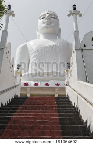 Bahirawakanda Sri Maha Bodhi Temple In Kandy, Sri Lanka. The Temple Is At A Very Hilly Place In Kand