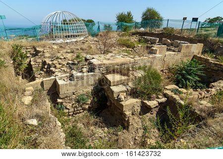 Reservoir Cruciform In The Naryn-kala Fortress. Archaeological Site. Derbent