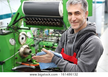 Device for checking the injectors. Workshop repair injection pumps,