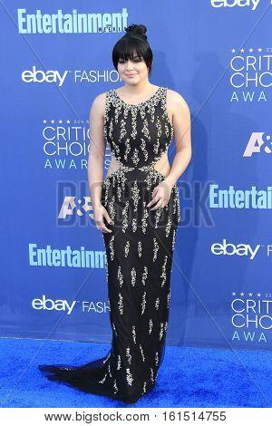 SANTA MONICA - DEC 11: Ariel Winter at The 22nd Annual Critics' Choice Awards at Barker Hangar on December 11, 2016 in Santa Monica, California