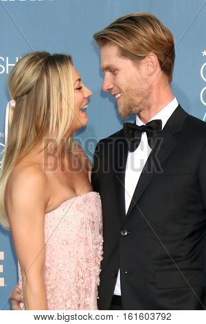 LOS ANGELES - DEC 11:  Kaley Cuoco, Karl Cook at the 22nd Annual Critics' Choice Awards at Barker Hanger on December 11, 2016 in Santa Monica, CA