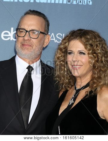 LOS ANGELES - DEC 11:  Tom Hanks, Rita Wilson at the 22nd Annual Critics' Choice Awards at Barker Hanger on December 11, 2016 in Santa Monica, CA