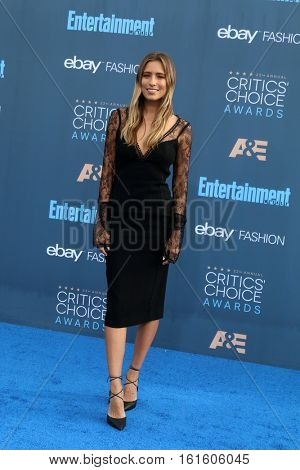 LOS ANGELES - DEC 11:  Renee Bargh at the 22nd Annual Critics' Choice Awards at Barker Hanger on December 11, 2016 in Santa Monica, CA