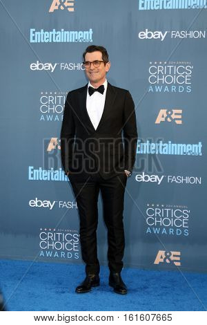 LOS ANGELES - DEC 11:  Ty Burrell at the 22nd Annual Critics' Choice Awards at Barker Hanger on December 11, 2016 in Santa Monica, CA