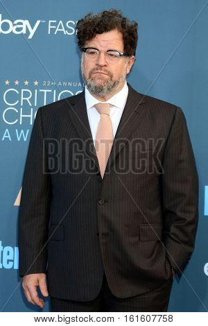 LOS ANGELES - DEC 11:  Kenneth Lonergan at the 22nd Annual Critics' Choice Awards at Barker Hanger on December 11, 2016 in Santa Monica, CA
