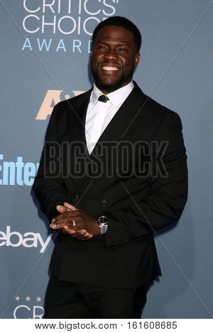 LOS ANGELES - DEC 11:  Kevin Hart at the 22nd Annual Critics' Choice Awards at Barker Hanger on December 11, 2016 in Santa Monica, CA