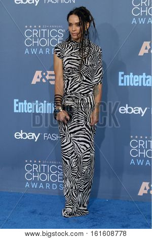 LOS ANGELES - DEC 11:  Lisa Bonet at the 22nd Annual Critics' Choice Awards at Barker Hanger on December 11, 2016 in Santa Monica, CA