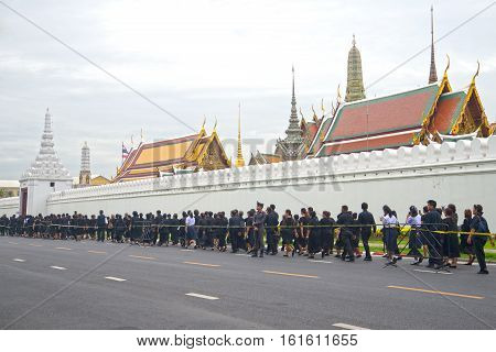 BANGKOK, THAILAND - DECEMBER 15, 2016: The Thais are in the queue for farewell to the king