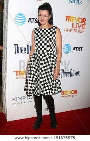 LOS ANGELES - DEC 4:  Pauley Perrette at the TrevorLIVE Los Angeles 2016 at Beverly Hilton Hotel on December 4, 2016 in Beverly Hills, CA