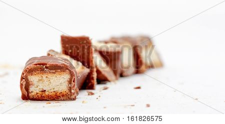 picture of a chocolate bar with filled with crispy sweet waffer
