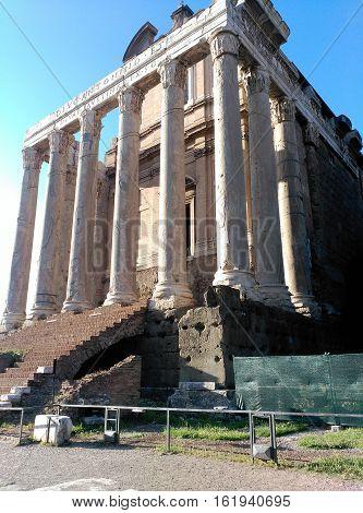 Monumento muy conocido en Roma, una especie de sitio de reunión de antiguos romanos