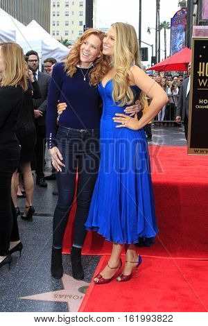 LOS ANGELES - DEC 15:  Robyn Lively, Blake Lively at the Ryan Reynolds Hollywood Walk of Fame Star Ceremony at the Hollywood & Highland on December 15, 2016 in Los Angeles, CA