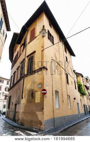 Corner House On Via Dell Anguillara In Florence