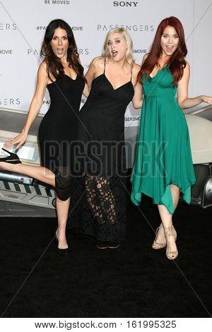 LOS ANGELES - DEC 14:  Joslyn Davis, Lily Marston, Erin Robinson at the