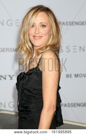 LOS ANGELES - DEC 14:  Kim Raver at the