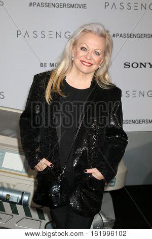 LOS ANGELES - DEC 14:  Jacki Weaver at the