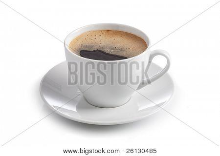 Tasse Kaffee auf weißem Hintergrund