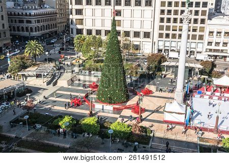 San Francisco,california,usa - December 1, 2017 : View Of Union Square At Christmas Time
