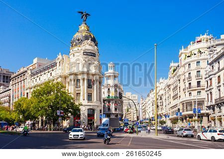 Madrid, Spain - September 21, 2017: Metropolis Building Or Edificio Metropolis Is An Office Building