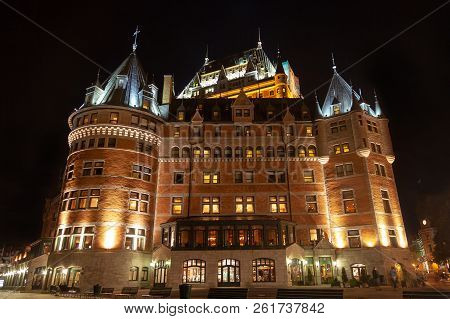 Quebec City, Canada - Aug 21, 2012: The Historic Chateau Frontenac Was Opened In 1893 In The Upper T